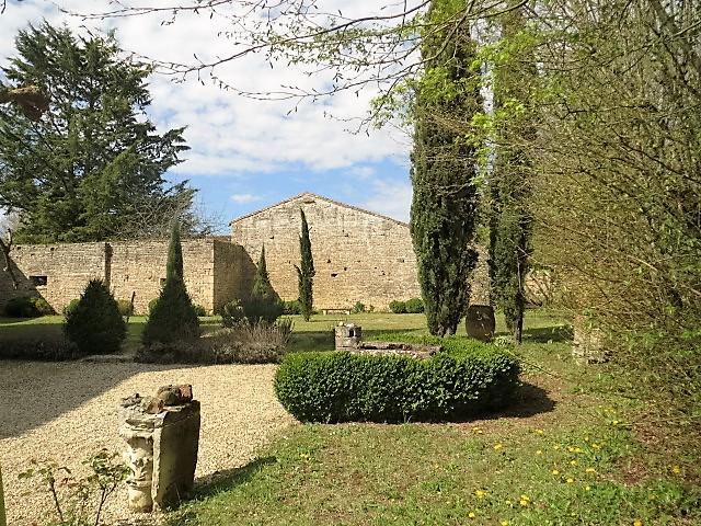 Logis xvieme jardin secteur ruffec ref 2s209 muret for France logis immobilier
